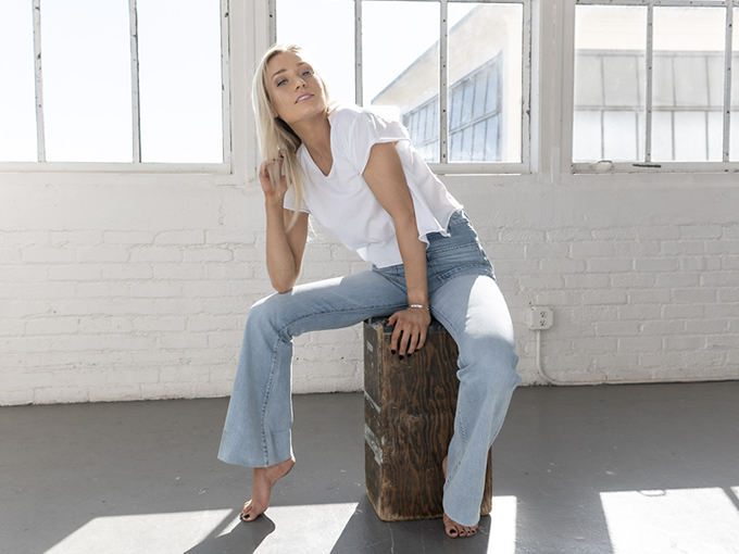 Sustainable Women's Denim Jeans Thumbnail